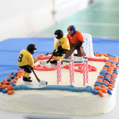 10 Easy Tips to Bake a Sports Birthday Cake With Kids